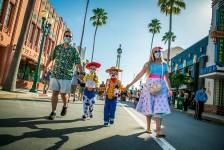 Disney reabre Epcot e Hollywood Studios em Orlando