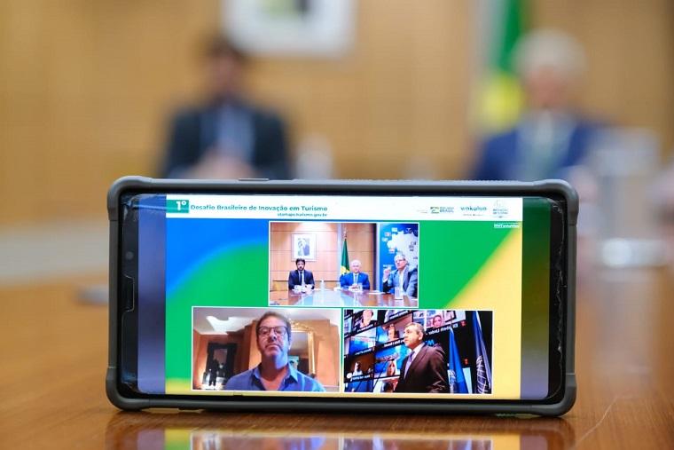 ançamemto contou com a participação do ministro de Ciência Tecnologia e Inovações, Marcos Pontes; o secretário-geral da OMT, Zurab Pololikashvili; e o diretor-geral da Wakalua, Lisandro Menu-Marque