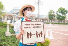 Disney reabre parques no Japão