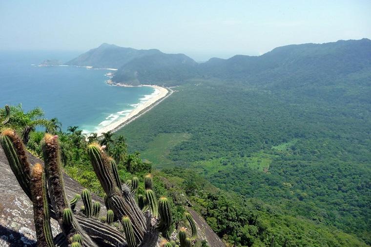 De volta ao mirante do Boa Vista; agora dá para ver as praias de Guaratiba