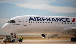 Air France mantém investimentos em equipamentos e veículos elétricos para uso em pista