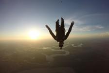Foz do Iguaçu ganha novo atrativo de salto de paraquedas