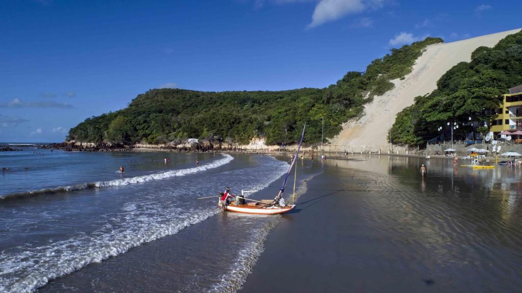 Praia de Ponta Negra, em Natal, um dos cartões postas mais conhecidos do Rio Grande do Norte