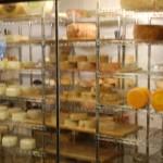 Variedade de queijos de todas as regiões produtoras de Minas