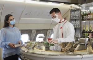 Emirates retoma serviços de lounge e spa a bordo