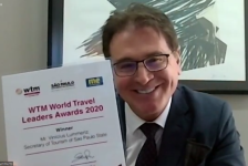 Vinicius Lummertz recebe prêmio WTM World Travel Leaders Awards 2020