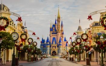 Disney inicia 'Holiday Magic' para celebrar Natal e Ano Novo em Orlando; fotos