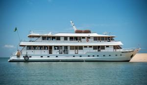 No portfólio da Cap Amazon, barco Amazon Dolphin é inaugurado no Pará