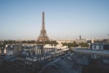 Turistas terão que passar por isolamento ao chegarem à França