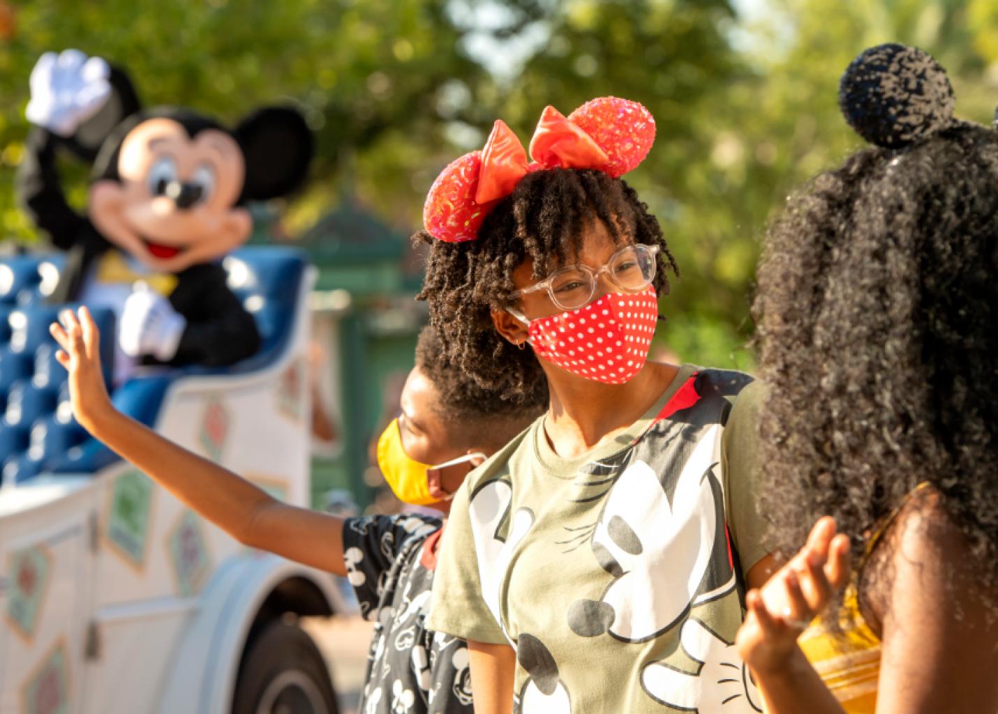 Disney libera uso de máscaras em espaços fechados para vacinados
