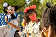 Disney reduz pela metade as medidas de distanciamento físico em Orlando