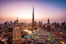 Emirates volta a oferecer diárias gratuitas em Dubai em casos de longas conexões