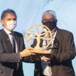 diretor-geral brasileiro da Itaipu Binacional, general Joaquim Silva e Luna, e Paulo Angeli, do Festival