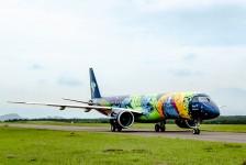 Azul apresenta a aeronave mais colorida da América Latina