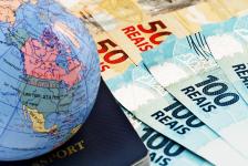 Gastos de brasileiros no exterior caem quase 70% e atingem menor valor desde 2005