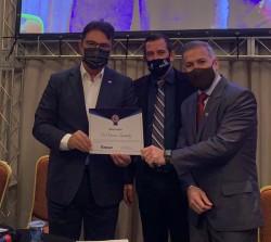 Vinicius Lummertz recebe homenagem da Federação Catarinense de Municípios