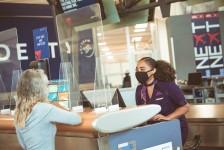 Delta lança ferramenta para ajudar passageiros a atender requisitos de viagens