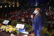 Setur-RJ entrega guia de turismo e apresenta ações para gestores fluminenses