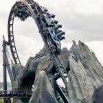 """O VelociCoaster irá transportar os visitantes para um ambiente dinâmico inspirado nos filmes """"Jurassic World"""""""
