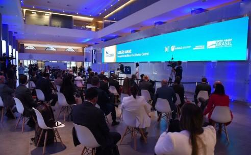 Por R$ 3,3 bilhões, Vinci e CCR arrematam 22 aeroportos em leilão da 6ª rodada