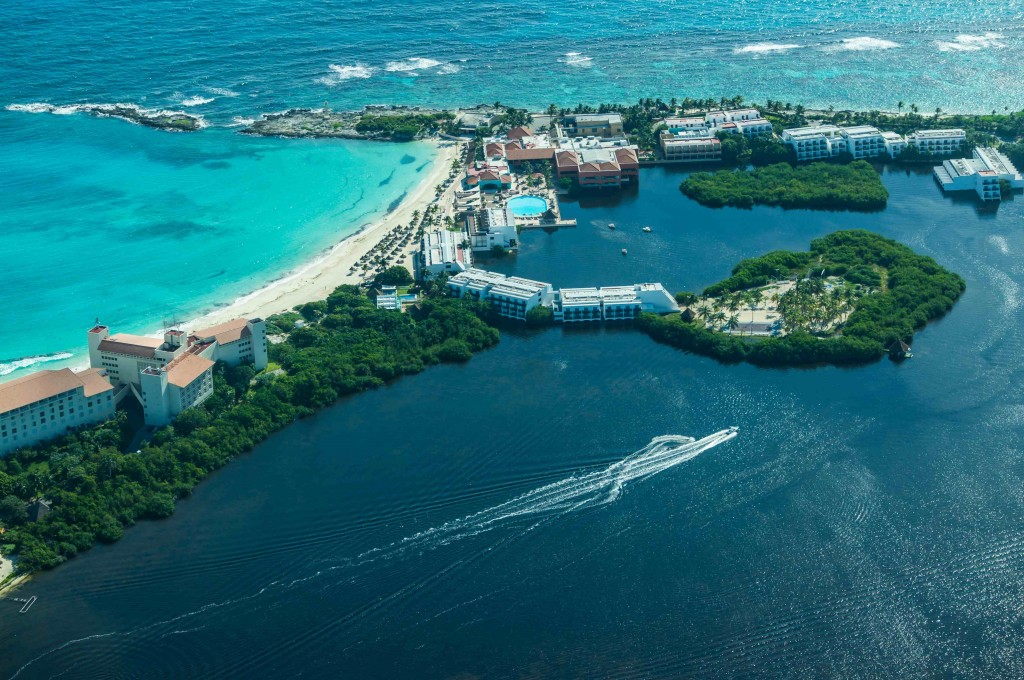 Antes de ir aos EUA, passageiros podem desfrutar de Cancun