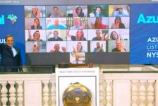 Azul homenageia equipe no encerramento do pregão em Nova York