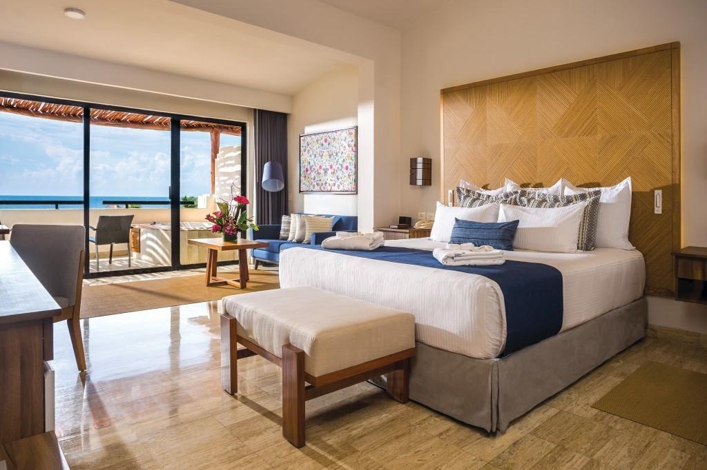 Enhanced room décor at Dreams Sapphire Riviera Cancun