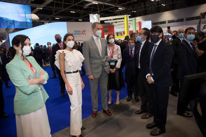 Rei Felipe e rainha Leticia foram convidados especiais da abertura.