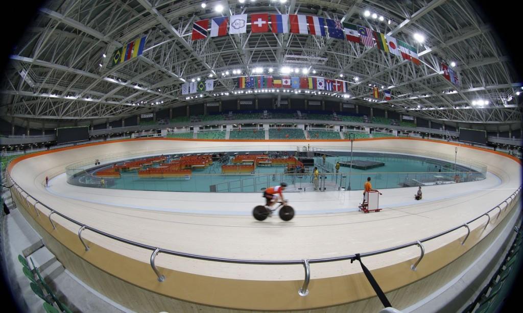 Rio de Janeiro - Equipe de ciclismo da Holanda terina para os Jogos Olímpicos Rio 2016 no Velódromo, no Parque Olímpico da Barra da Tijuca (Fernando Frazão/Agência Brasil)