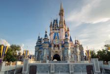 Disney finaliza decoração do Castelo da Cinderela para celebração dos 50 anos