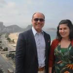 Tomás Ramos, diretor de Asset e Vendas da BHG, e Gabriella Mota, gerente geral do hotel
