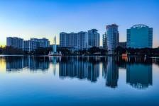 Prefeito liga alerta após pico de casos de Covid-19 em Orlando e região