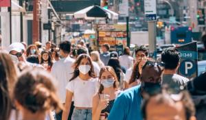 EUA devem voltar a recomendar uso de máscara para pessoas vacinadas