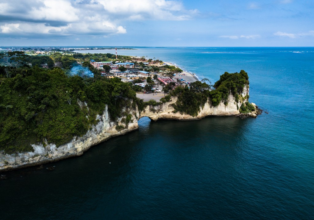 Tumaco, destino na região do Pacifico Colombiano que oferece sol e praia aos turistas