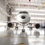 Avião - Mickey Mouse nas nuvens - no hangar da Azul Linhas Aéreas em Campinas