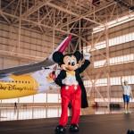 Mickey Mouse apresenta o novo avião da Azul Linhas Aéreas