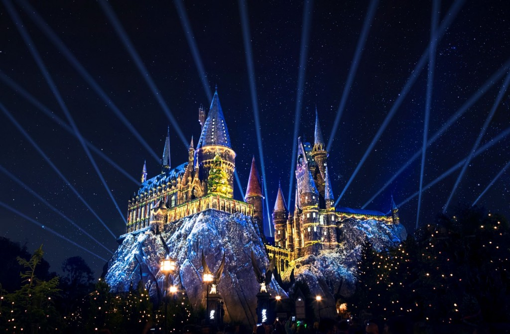 Universal Orlando Resort Celebrates The Holiday Season With Nonstop Awesome