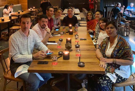 Um dos jantares organizados para os agentes brasileiros