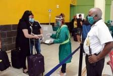Cuba exige teste de Covid-19 e quarentena de turistas vacinados