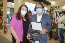 Secretário de Turismo do Ceará recebe homenagem da Abav Nacional