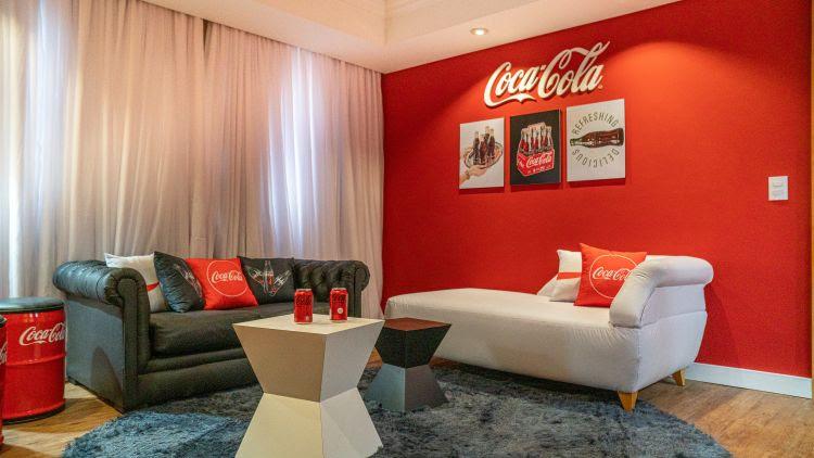 Suíte temática da Coca-Cola no Mabu Thermas Grand Resort, em Foz do Iguaçu (PR)